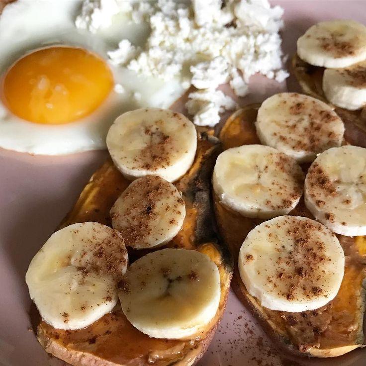 A experimentar coisas novas. Tosta de batata doce  com manteiga de caju e banana. Bom dia!!!!  #food
