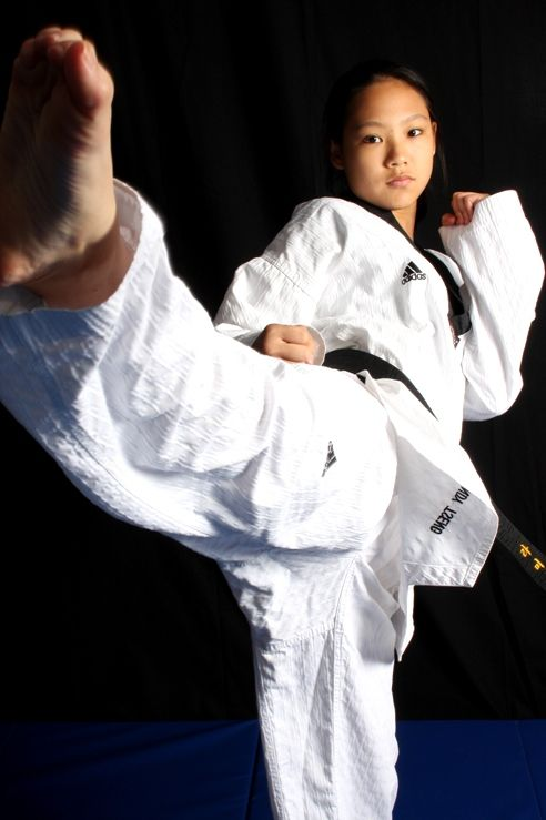 Wendy Tseng | kicking | Martial arts, Karate, Taekwondo girl