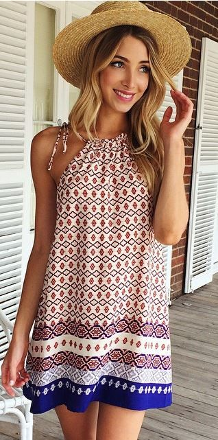 Pretty dress--- something to do with that ugly vintage fabric... A mama pillowcase dress/ tunic... Discover and shop the latest women fashion, celebrity, street style, outfit ideas, dresses you love on https://www.zkkoo.com