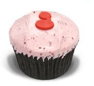 Rasberry White Chocolate: Rasberry & white chocolate cake with rasberry puree and white chocolate buttercream icing #Ghermez #Cupcakes