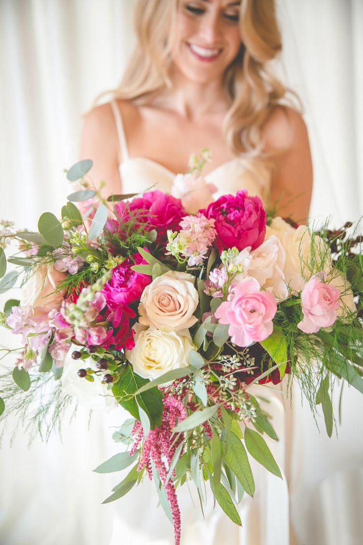 lcfloraldesign.com | San Ramon Wedding Florist | Bridges Golf Course Weddings | LC Floral Design | Hazy Lane Studio