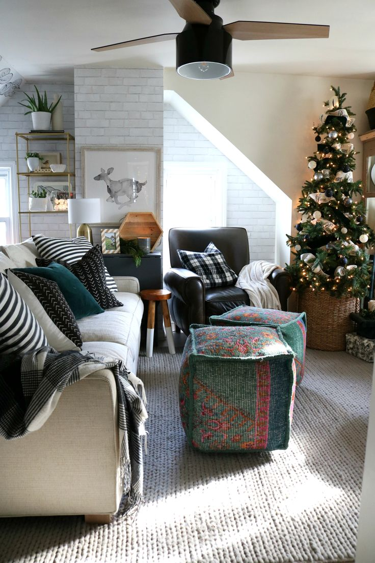 Christmas Decor in a Small Cape- Family Room #christmasdecor #christmasdecorating #smallspaceliving