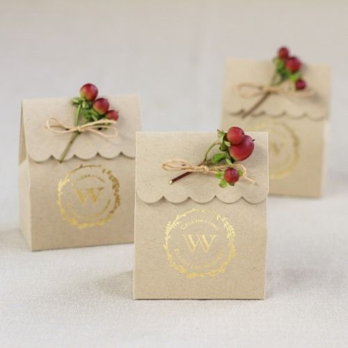 Personalized Rustic Wreath Scalloped Favor Box