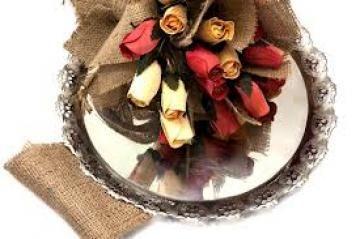 Όμορφα αποξηραμένα λουλούδια