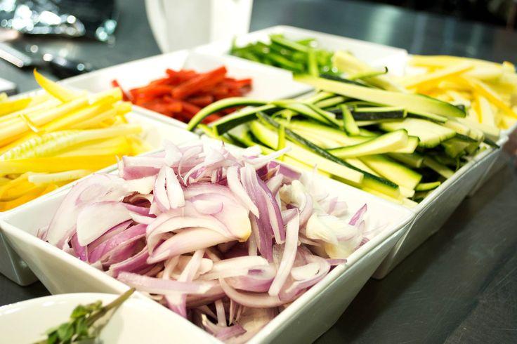 Frutas y vegetales. Las porciones de fruta y vegetales son muy importantes para llenarte de energía durante el día.