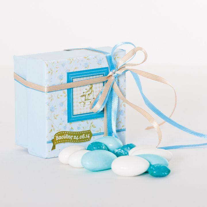 Paper favor box where the box top is printed with the invitation concept http://www.bamthestore.com/shop/proionta/boboniera-kouti-hartino/