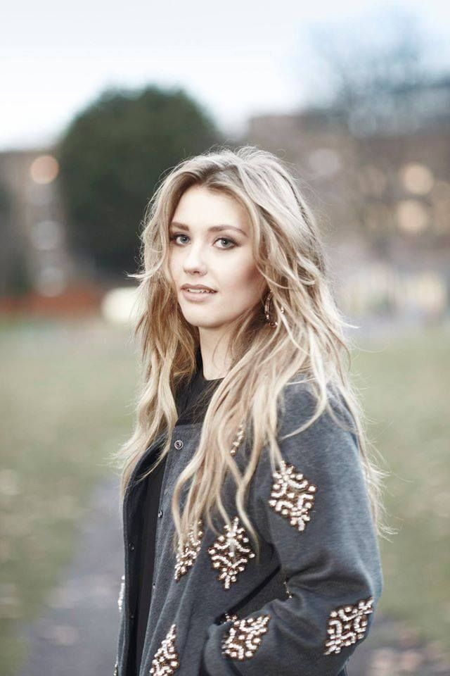The young and very talented Ella Henderson...