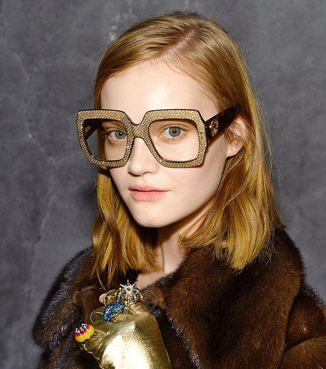 Гик-шик: модные очки с крупной оправой и макияж под них, как на показах Gucci, Emilio Pucci | Vogue | Красота | Тенденции | VOGUE