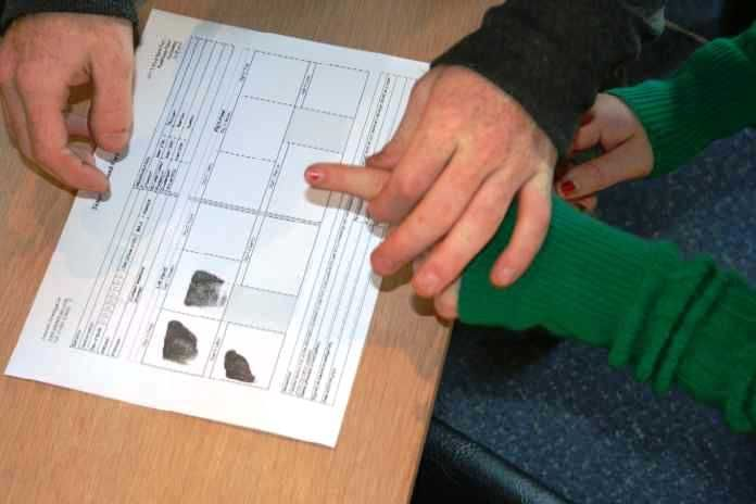 Fingerprinting for FBI clearance: http://www.answers.uk.com/services/fingersfbi.htm People who have resided in the USA may be required to get an FBI clearance for an Identity History Summary Foreign (ie UK and Europe) residents applying to the FBI for an Identity History Summary must accompany their application with an FBI Fingerprint check on the relevant FD-258 fingerprint form. We record more conveniently and cheaply than attending a police station, either at our offices, or we can visit…