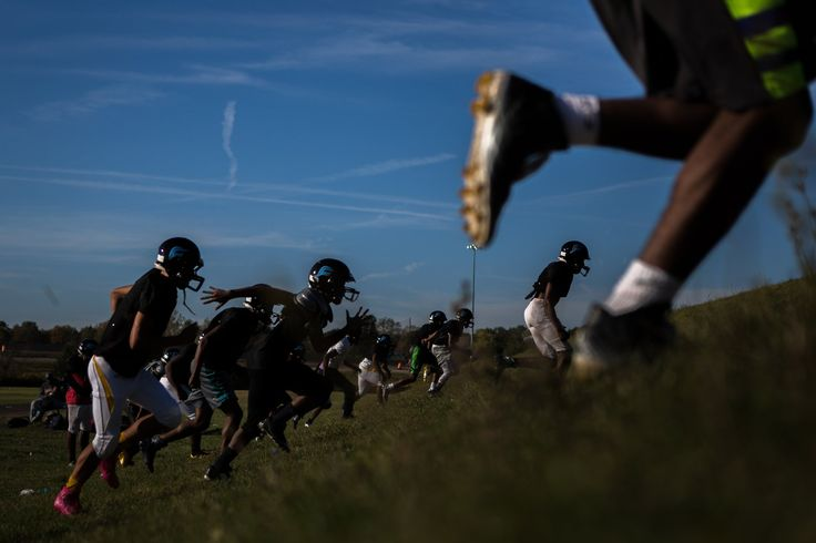 In Flint, High School Football Is No Game - The New York Times