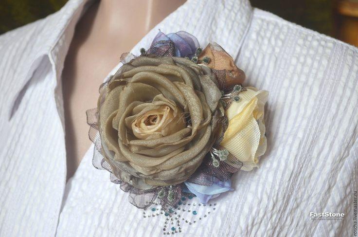 Купить Брошь из ткани ,фантазийная. - комбинированный, брошь, брошь цветок, брошь-цветок