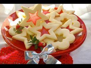 Ecco la ricetta dei biscottini effetto vetro...deliziosi! Perfetti per un regalo goloso! Perché prepararli solo a Natale?! Vi aspetto su facebook! www.facebo...