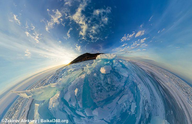 Проверка на головокружение после празднования Нового 2018 года. Ставте + если можете смотреть на это спокойно 😊🤢  #baikal360 #baikal #icebaikal #winterbaikal #gearvr #360vr #vr #новый2018 #здесь_можно_жить #baikalextreme #panorama #ледбайкала #зима
