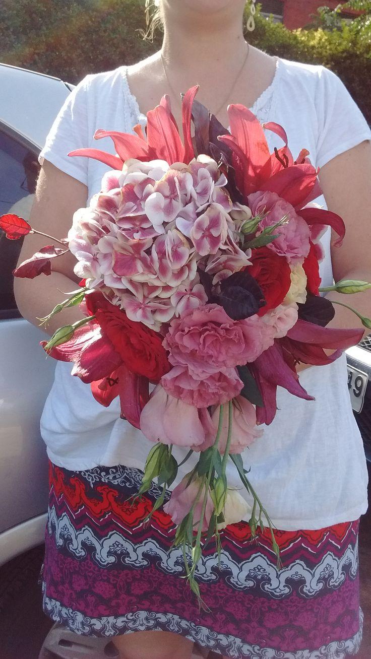 Ramo tipo gota en flores variantes del rojo