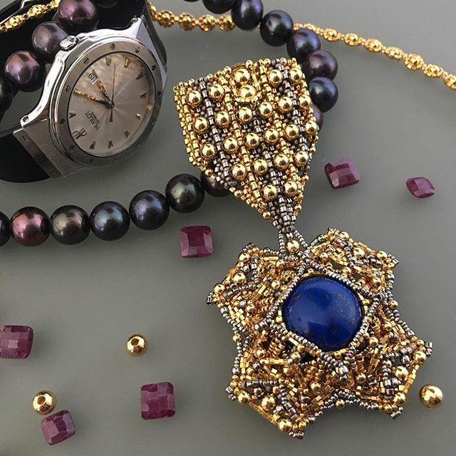 #lapislazuli #gold #medal #beadweaving #орден #бисероплетение #handmade #unique #oneofakindjewelry #uniqueaccessory #accessory #accessories #brooch #pendant #beads #nickel #fashion #trends #style #украшения #стиль #брошь #jewelry #handcrafted #bysvetlanaK