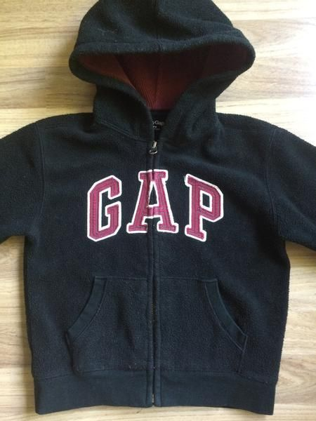 Hooded Sweater (Boys Size 5)