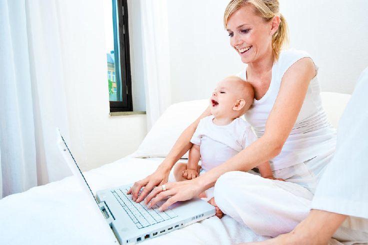 Как работать в декрете Известно, что многие современные женщины начинают работать вскоре после родов. Одни делают это не от хорошей жизни, другим необходимо постоянно находиться в тонусе, а третьи боятся остаться «за бортом» и утратить профессиональные навыки. Совсем маленький ребёнок – не помеха для работы. Но по мере роста и развития малыша вам, вероятно, придётся поступиться амбициями. Статья полностью: http://xn--80aiyb6f.xn--p1ai/rabota_i_kadry/kak_rabotat_v_dekrete/