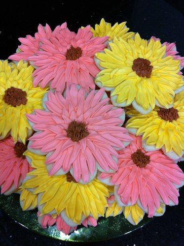 Flower cookies! The Sweetest Thing, LLC - Custom Invites / Favors - Waterford - Wedding.com