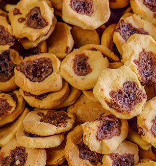 Rosquillas is a small pastry the originates in Northern Nicaragua. Our recipe is easy to prepare and gives you 100 tasty Rosquillas.