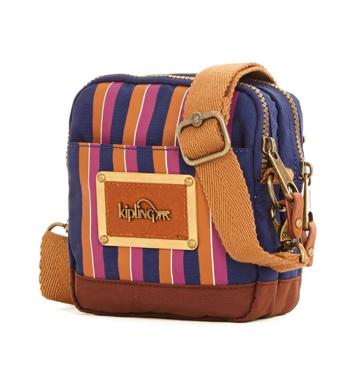 Train stations. Exotic destinations. This toiletry bag was inspired by the heyday of travel and is the product of our collaboration with David Bromstad