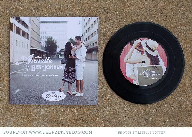 Stuur een LP met daarop jullie favoriete muziek en op de cover de uitnodiging!