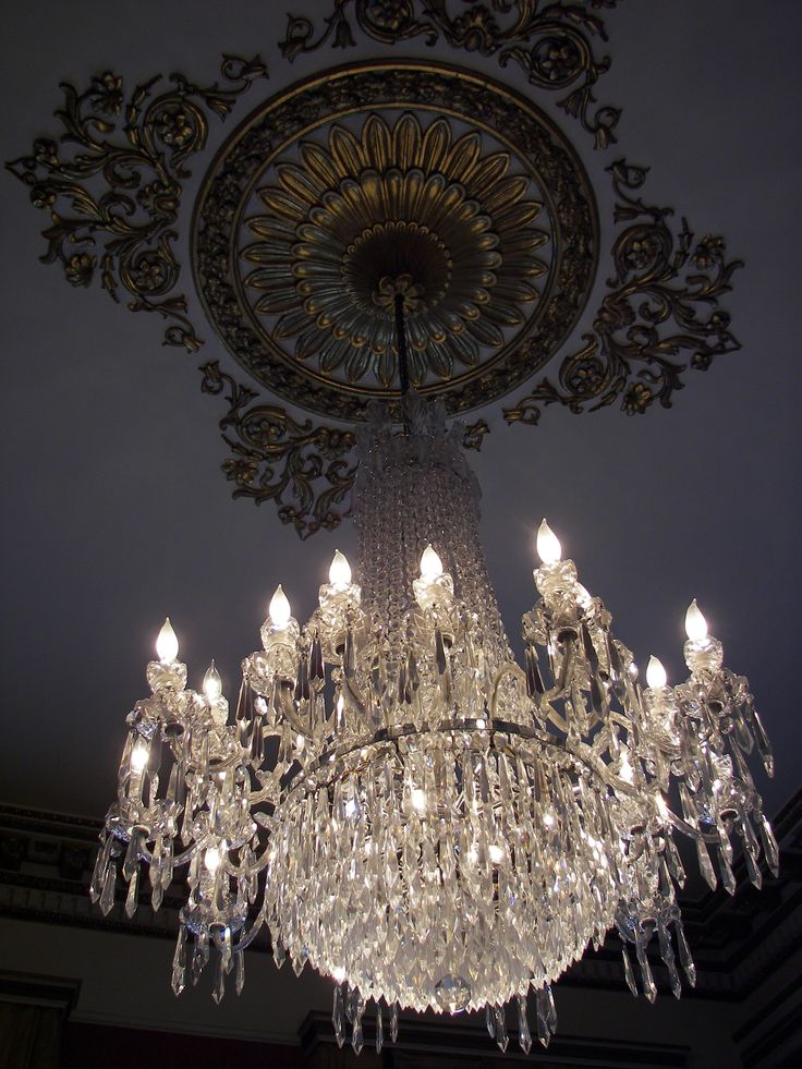 162 best Candelabros images on Pinterest | Chandeliers, Antique ...