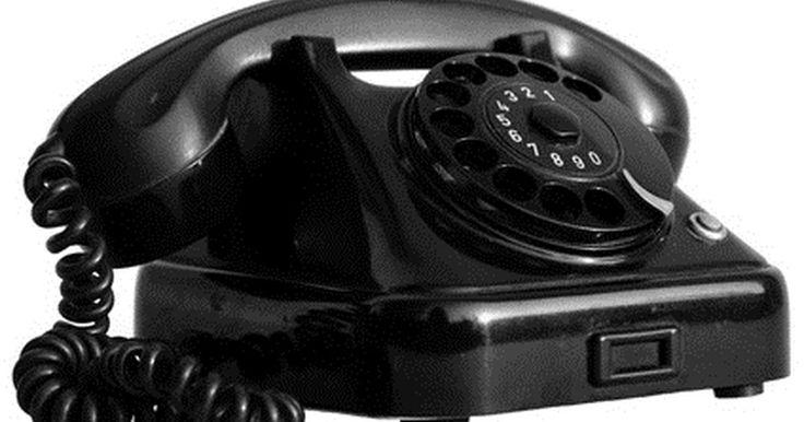 Cómo bloquear las llamadas privadas en un teléfono de línea. El rechazo de las llamadas anónimas puede ser usado para prevenir las llamadas privadas a tu casa. Cuando una llamada proviene de un número bloqueado, un mensaje informa al que llama que no aceptas llamadas de números bloqueados. Estos deben desbloquear sus números y volver a llamar. Tu teléfono no suena para las llamadas no identificadas cuando ...