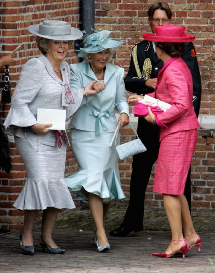 Dutch Queen Beatrix (L), the mother of Anita van Eijk (C) and Princess Margriet leave the church after the wedding of Prince Pieter Christiaan of Orange-Nassau and Anita van Eijk at 'Jeroenskerk' Church on 27 Aug 2005
