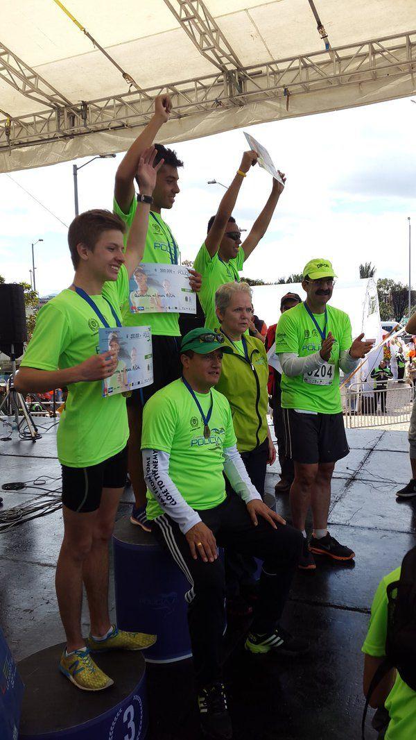 Ganadores categoría juvenil en la #CareraPorLaPolicía10K