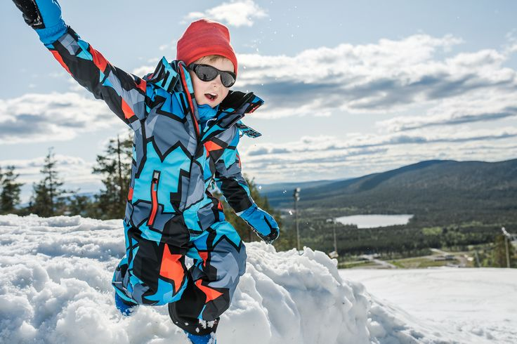"This Reimatec winter overall ""Reach"" has special pockets for skipass and ReimaGO sensor."