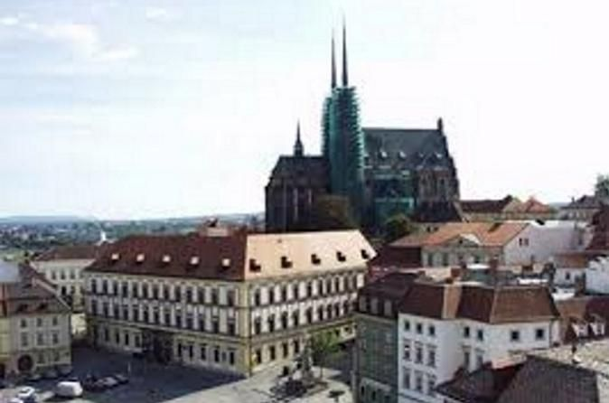 Private Transfer to Brno from Prague 			Enjoy a private 2.5-hour transfer to Brno from Prague. Your private driver will pick you (and your group of up to 7 people) up from your centrally located Prague hotel or Prague Airport and will bring you safely to your hotel in central Brno. 					Meet your private driver at your centrally located Prague hotel or Prague Airport and enjoy a private transfer to central Brno from Prague. Your driver will drop you safely at your centrally lo...