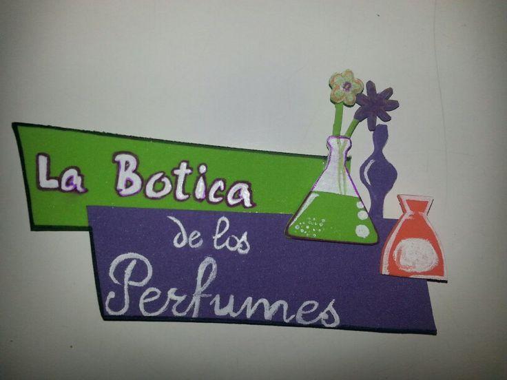 Logotipo de tienda en goma eva y pintado a mano