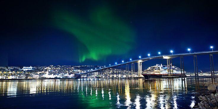 Hurtigruten i nordlys_just.jpg