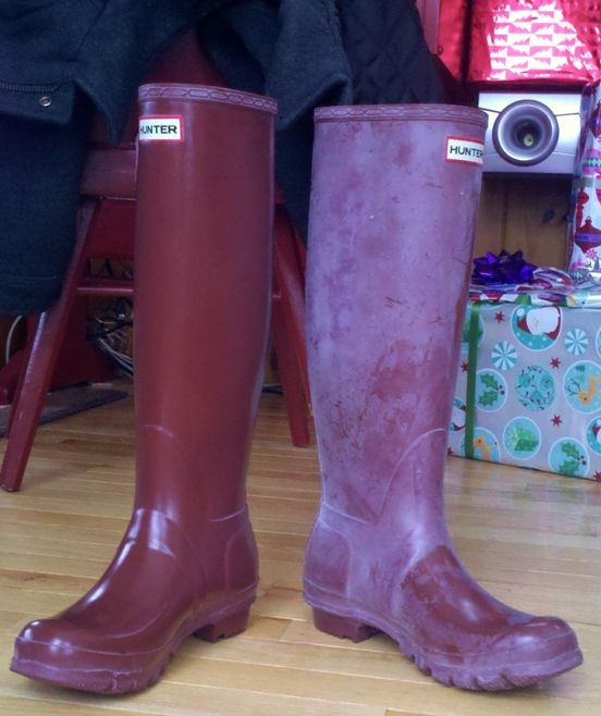 how to remove the white wax residue from your hunter boots