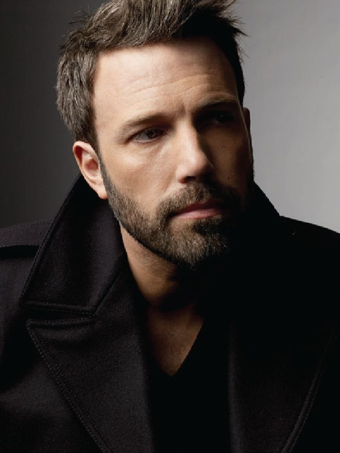 acollectionofwellbehavedbeards:    ben affleck (via my new plaid pants)
