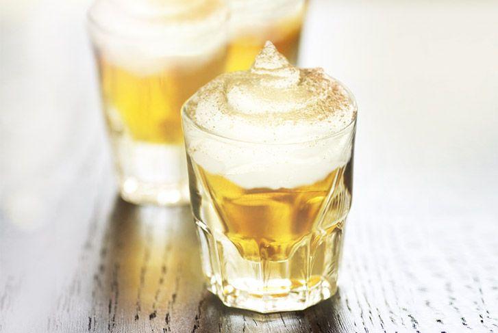 Noch mehr Hüttengaudi! Für alle, die es noch nicht wussten: Apfelstrudel kann man jetzt trinken! #winter #Gaudi #Apfelstrudel #cinnamon