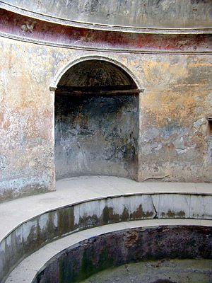 *FRIGIDARIUM, STABIAN BATHS ~ Pompeii, Italy.