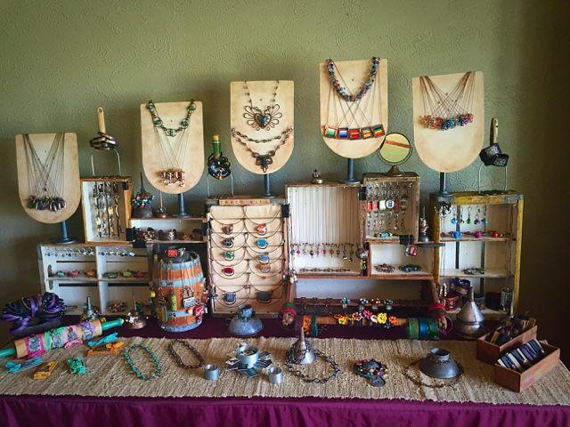El cobre, el vidrio y el reciclado de la basura: Exhibidores y como embalar joyería.
