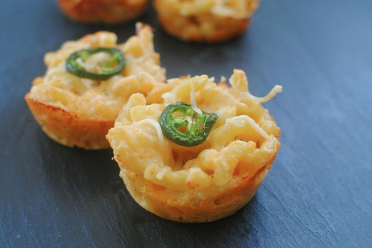 Cheesy, adorable, Mac & Cheese Cupcakes (with no butter!) these need to be made for the superbowl. Or just for funsies.