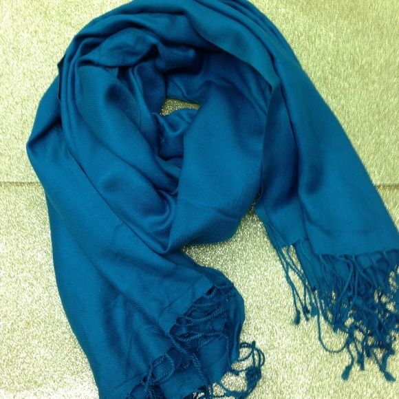 """⏰2 HR SALE⏰ Teal Scarf or Wrap Beautiful teal scarf that can be used as wrap. 80"""" long and 25"""" wide. 100percent Rayon Accessories Scarves & Wraps"""