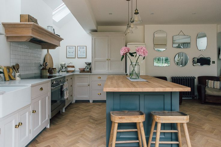 Island Unit With Wooden Stools - A Modern Country Farrow & Ball Downpipe And Skimming Stone Kitchen With Oak Parquet Flooring