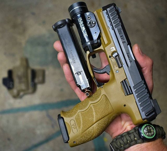 Do you know the caliber of this HK? (Don't zoom, don't google)  EDC from @tactical_carpenter_ wearing the #eepathfinder ・・・ Appendix carry stuff . . . . . #protectyourself #unitedinthefight #hecklerandkoch #vp9 #nocompromise #9mm #sparemagforthewin #winchester #hollowpoints #streamlight #weaponslight #superessestraps #eepathfinder #survival #guns #firearms #2amendment #donttreadonme #molonlabe #concealedcarrynation #weaponsdaily #gunchannels #thesheepdogdefenseproject