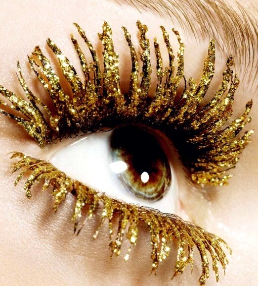 #NewYears metallic gold mascara eye lashes ToniK ...❸ ❷ ❶