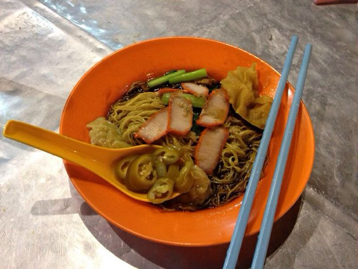 The kind of wonton noodles I like... ones with lard.
