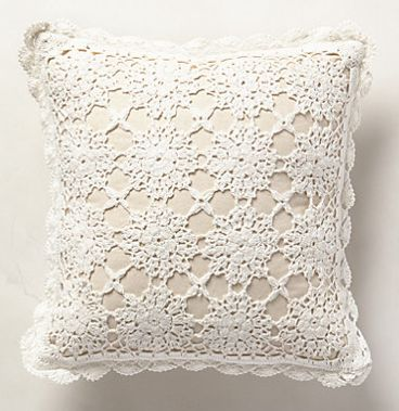 sweet crocheted pillow awesome decor pinterest sch ne kissen. Black Bedroom Furniture Sets. Home Design Ideas