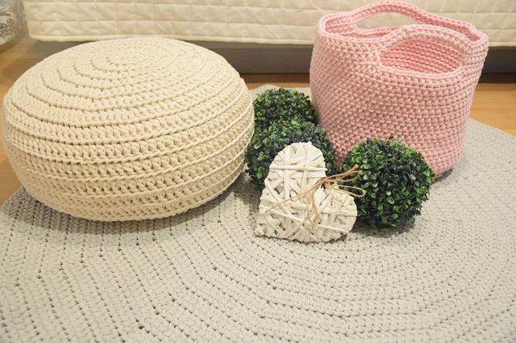 Crochet pouf made from cotton cord Pufa robiona na szydełku z bawełnianego sznurka You can order it at/Można ją zamówić na: https://www.facebook.com/pif.paf.puf.gliwice