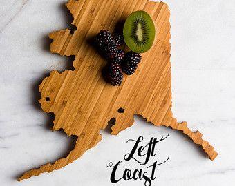 Tagliere di Alaska stato personalizzato matrimonio regalo casa uomini mamma papà Chef Grad cucina tritare monogramma inciso intagliato legno forma Cook