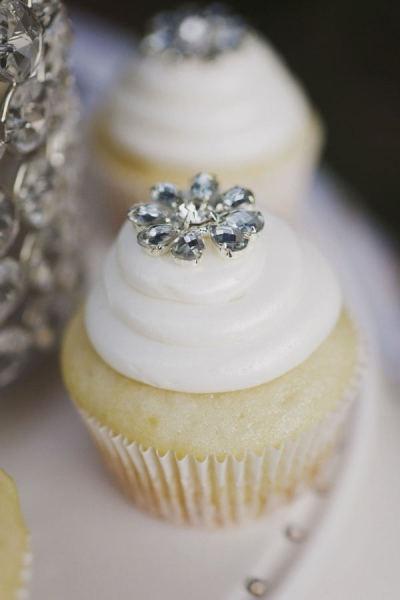dazzling wedding cupcake