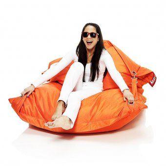 #design3000 Buggle-Up - der multifunktionale Outdoor Sitzsack von fatboy mit verstellbaren Riemen.