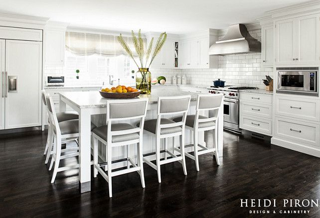 Classic hamptons kitchen classickitchen hamptonskitchen - Hamptons beach house interior design ...